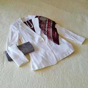 Linen blend off white CAbi Everly blazer